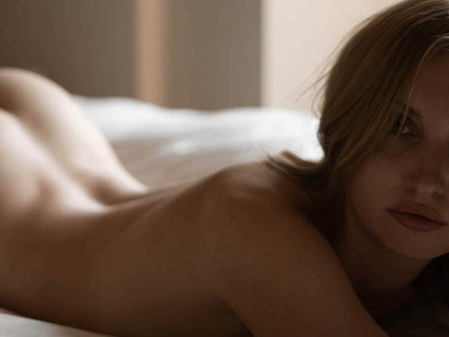 'Stay in Bed' – Model Alexandra Thompson in San Francisco