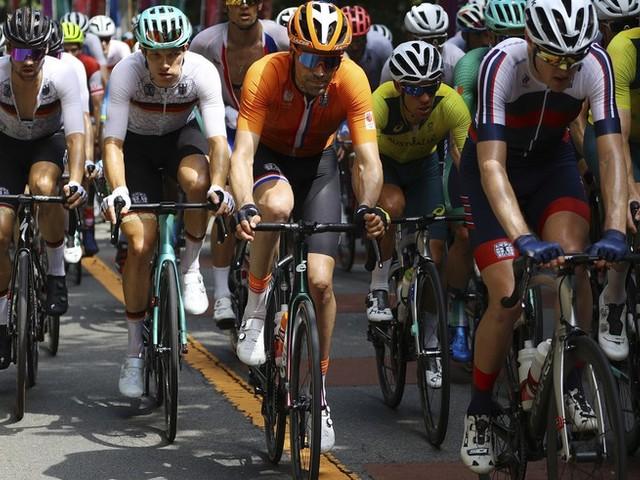 Olympia News: Nach Rassismus-Skandal: Rad-Sportdirektor muss gehen