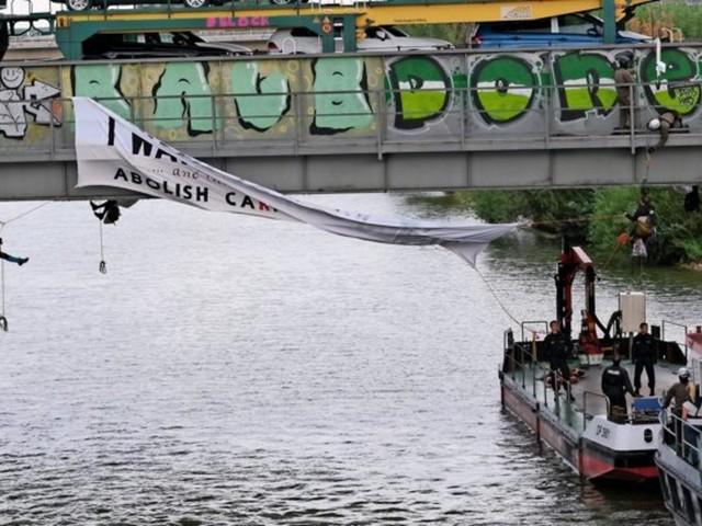 Umweltaktivisten sorgen für Ausnahmezustand in Wolfsburg – so lief der Tag