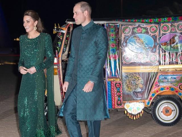 Die Royals auf Pakistan-Tour: William und Kate fahren im Tuk Tuk vor