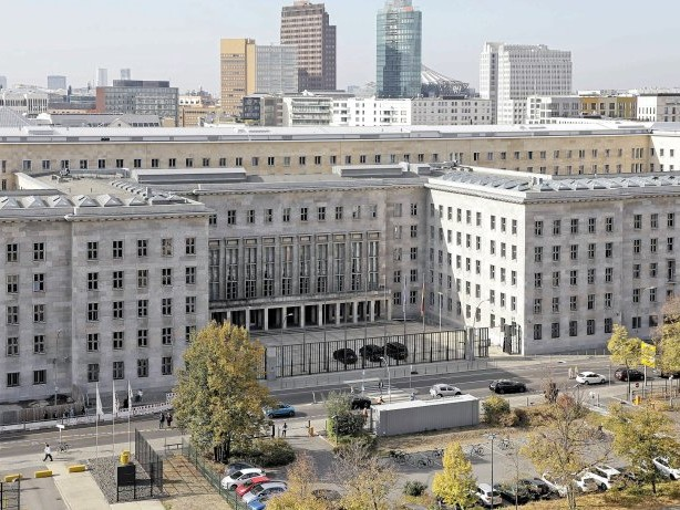 Beamte: Mehr als 1000 Regierungsbeamte haben Nebenverdienst