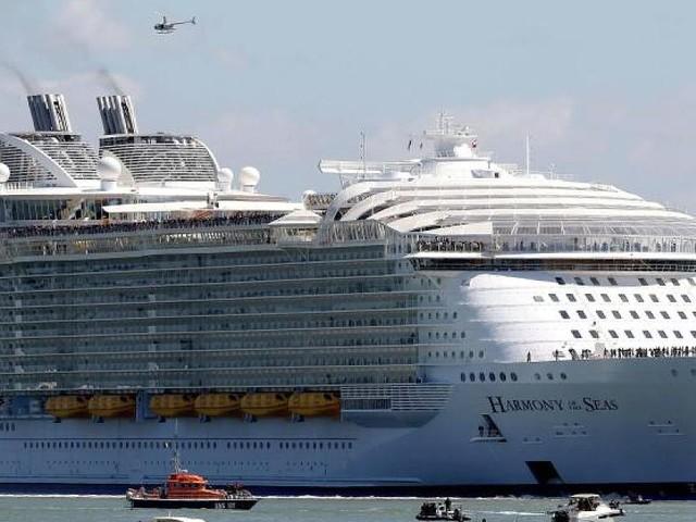 Oasis Of The Seas - Norovirus an Bord ausgebrochen: Kreuzfahrtschiff muss Reise vorsorglich abbrechen