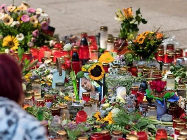Liveticker aus Chemnitz: Tausende Hooligans zu Trauerfeier erwartet