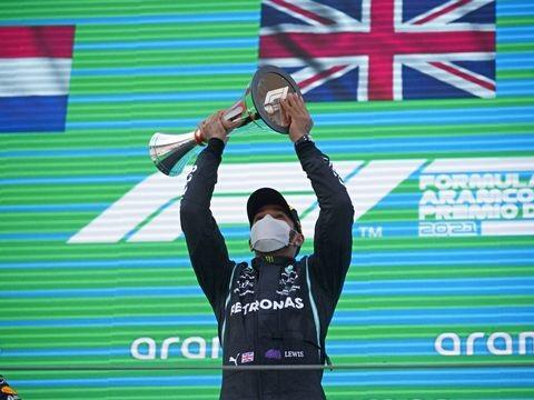 """Formel 1 - """"Was für ein Tag"""": Famoser Hamilton kontert Verstappen"""