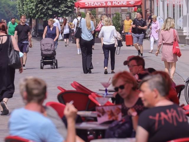 Corona-News: Merkel sieht Corona-Kampf auf gutem Weg ++ Fast 32 Prozent der Menschen in Deutschland vollständig geimpft