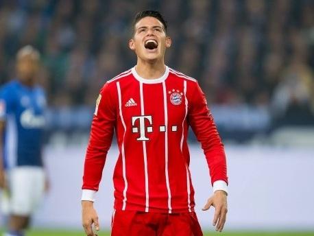 3:0 auf Schalke: Bayern wieder an der Spitze