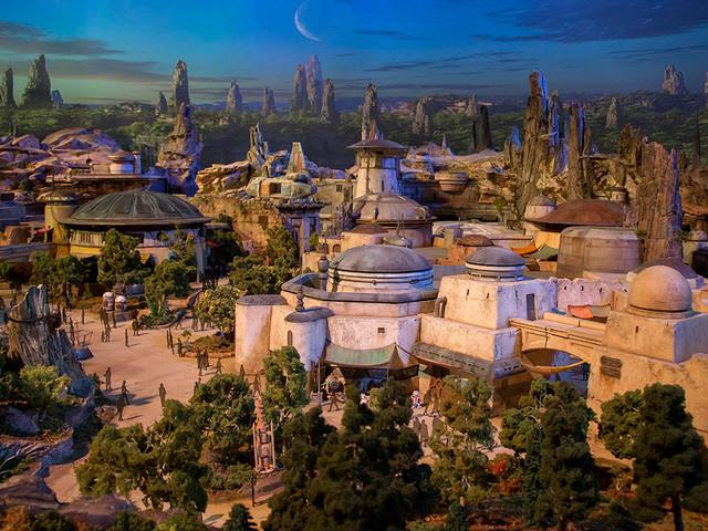 """""""One Man's Dream"""" in Disney's Hollywood Studios wird """"Walt Disney Presents"""" mit Modellen neuer Themenbereiche"""