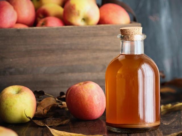 Gesundheit: Nie mehr Duschgel: Warum ich mich mit Apfelessig wasche und es meiner Haut noch nie so gut ging