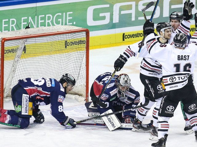 Eishockey, DEL: Kölner Haie gewinnen Klassiker in Berlin, Tabellenführer München gewinnt torreich in Krefeld