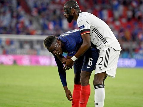 """Frankreich-Sieg in München - """"Ein Freund"""": Pogba nimmt Rüdigers angedeuteten Biss locker"""