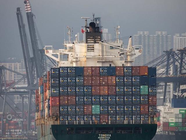 Wegen Corona in Südchina: Ein Mega-Stau lähmt den Welthandel