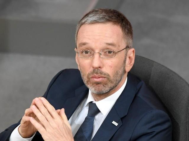 """Innenminister Kickl """"zentralisiert"""" die Öffentlichkeitsarbeit"""