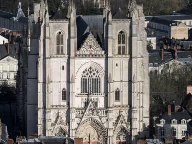 Großbrand in Kathedrale von Nantes ausgebrochen