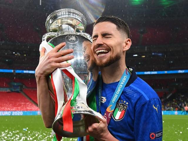 """""""Wird mich nie verlassen"""": Chelseas Jorginho spricht über Elfmeter-Technik und seinen Fehlschuss im Finale der EM 2021"""
