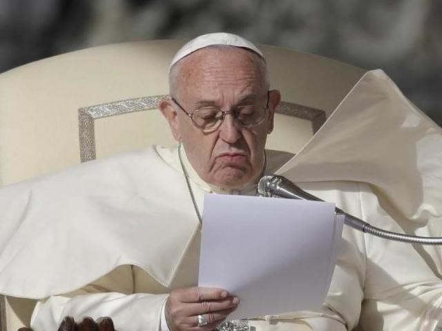 """Im """"Vaterunser""""-Streit - Theologe fordert die Absetzung des Papstes"""