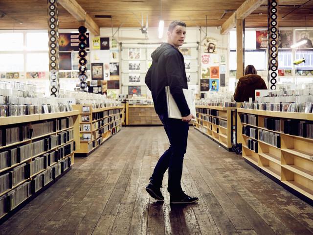 Im Urlaub oder zu Hause: VinylHub findet alle Plattenläden in Eurer Nähe