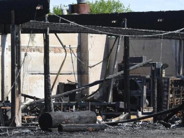 Prozesse: Nach Großbrand bei Holzverarbeiter in Loitz: Prozess beginnt