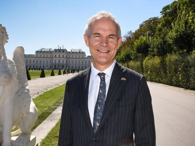 Ein britischer Botschafter und seine Liebe zum Wiener Würstelstand