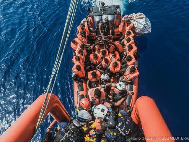 """""""Sea-Watch 3"""" und """"Ocean Viking"""": Hunderte Migranten im zentralen Mittelmeer gerettet"""