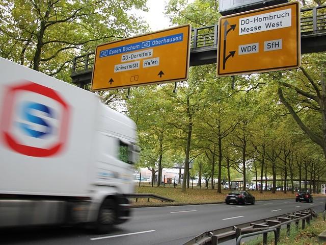 SPD will jetzt doch Lkw-Fahrverbote auf der B1 – und Gratis-Tickets für Stadtmitarbeiter