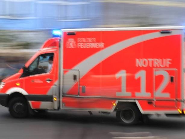 Berlin : Radfahrerin stirbt nach Verkehrsunfall