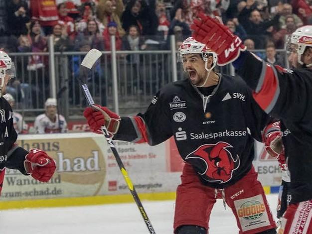 Saisonziel erreicht: Saale Bulls gewinnen auch Spiel drei gegen Memmingen
