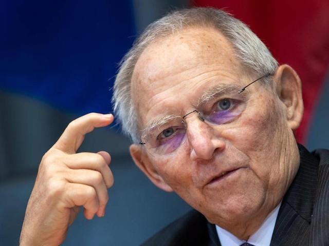 Corona-Pandemie: Vorteile für Geimpfte? Schäuble rügt Länder