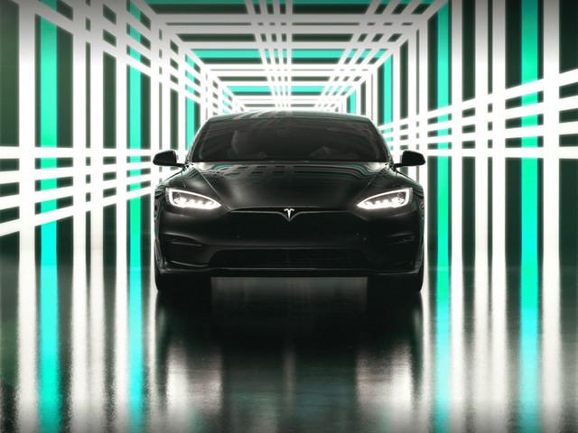 Tesla setzt Auslieferungen von neuem Model S aus