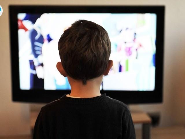 Wie Fernsehen mit Untertiteln die Englischkenntnisse verbessert