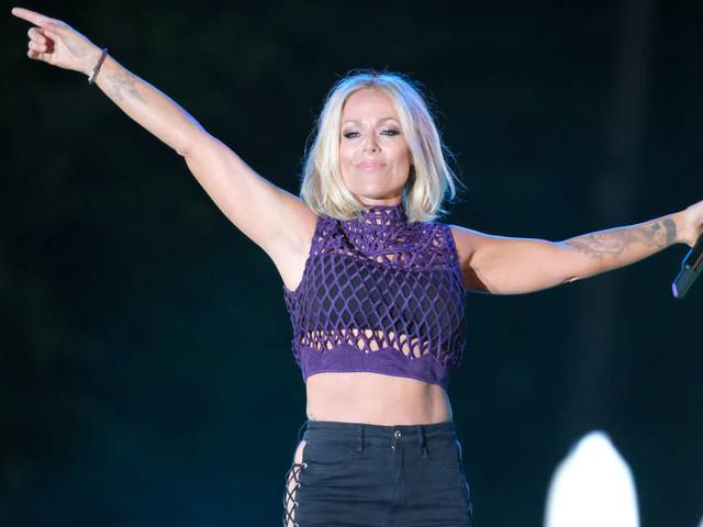 Schlager-Star Michelle deutlich verändert bei Autokino-Konzert - So sieht sie nicht mehr aus