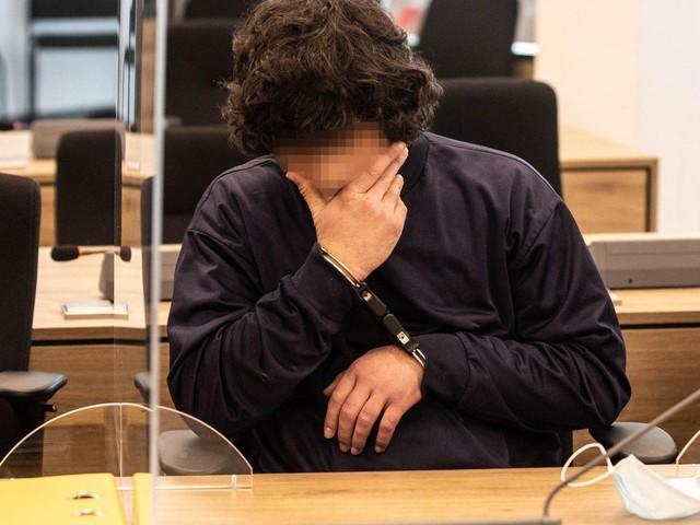 """Tatmotiv """"religiöse Verblendung"""": Lebenslange Haft im Prozess um tödlichen Messerangriff in Dresden"""