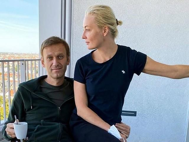 Kremlgegner Nawalny bedankt sich bei seinen Rettern