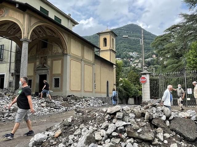 Unwetter in Italien: Städte am Comer See von Schlammlawinen undÜberflutungen erfasst