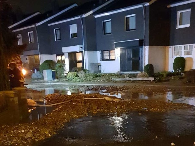 Rohrbruch im Ruhrgebiet: Über 200.000 Menschen ohne Wasser