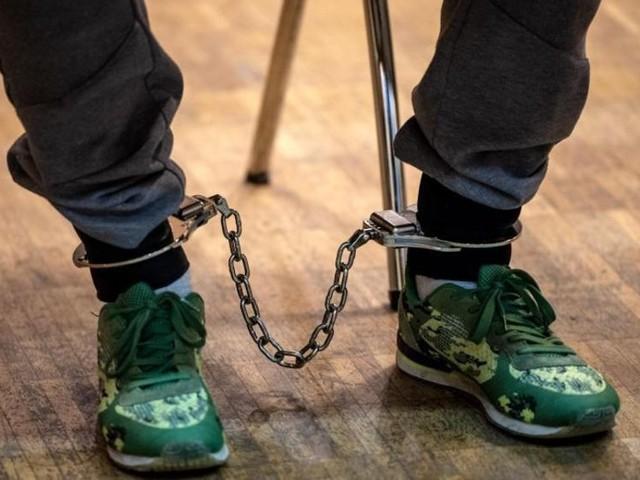 19-Jährige in der Weser versenkt - Mehrjährige Haftstrafen