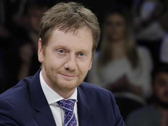 """Chemnitz: Ministerpräsident Kretschmer nennt Krawalle durch Rechte """"widerlich"""""""