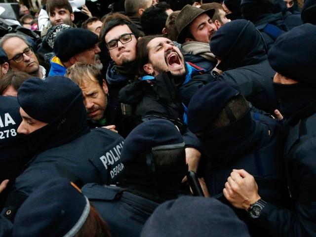 Madrid setzt auf gezielte politische Erniedrigung