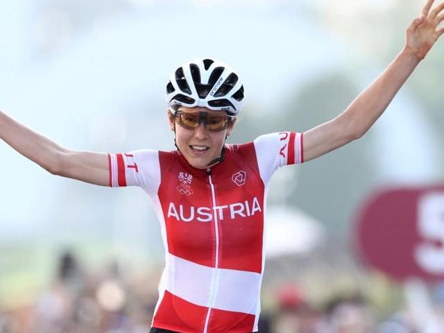 Die Olympiasiegerin steigt wieder auf's Rad