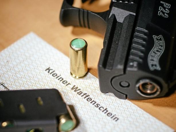 Waffen: Zahl der kleinen Waffenscheine in NRW steigt weiter deutlich