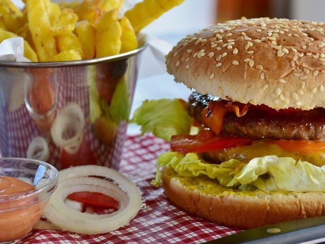 Fast-Food-Ketten im Test: McDonald's, Subway, Burger King: Welcher Anbieter schneidet am besten ab?