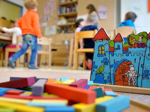 Volle Kinderarztpraxen in NRW: Ärzte besorgt über häufige Erkältungen bei Kindern