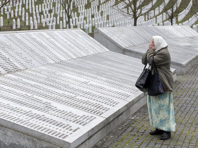 Hoher Repräsentant in Bosnien-Herzegowina greift durch: Leugnung von Völkermord strafbar