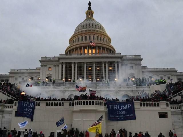 Nach Sturm auf das US-Kapitol: Zwei Polizisten reichen Klage gegen Donald Trump ein