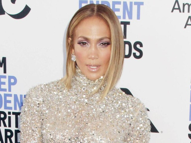 Topfit mit 51 Jahren: Jennifer Lopez zeigt sich hüllenlos