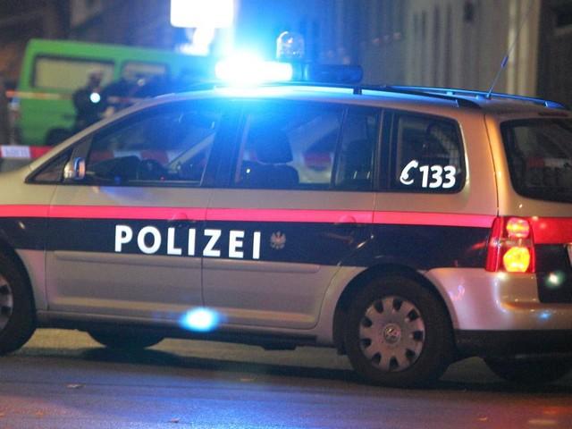 Drogen und Alkohol: 30-Jähriger rammte in Wien ein Polizeiauto