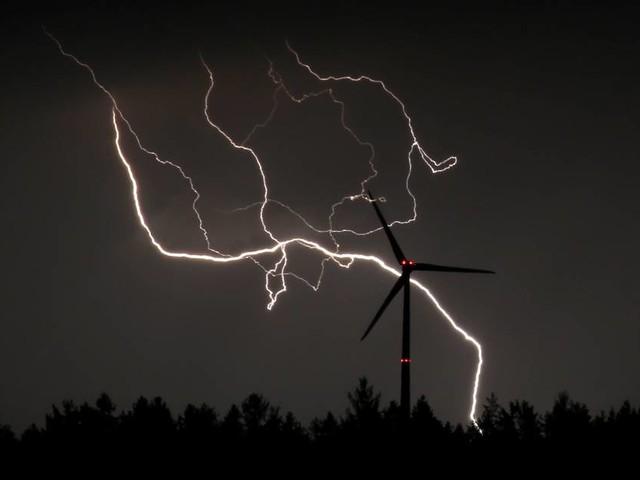 Auch Gewitter angekündigt: Warn-App Nina warnt vor extremer Hitze in Bonn und der Region