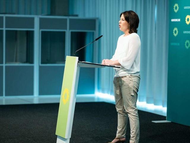 Union zieht Baerbocks Grünen in neuer Umfrage davon - Rekord für die FDP