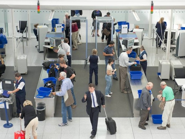 Flughäfen: Die Regierung will Kontrollen an Flughäfen privatisieren