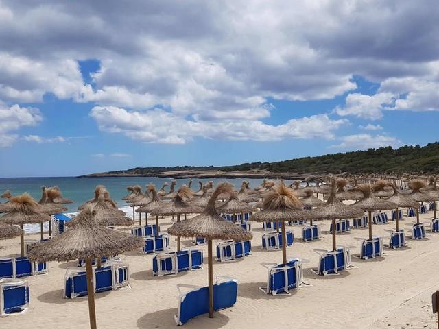 Corona: Auswärtiges Amt hebt Reisewarnung für viele Risikogebiete auf