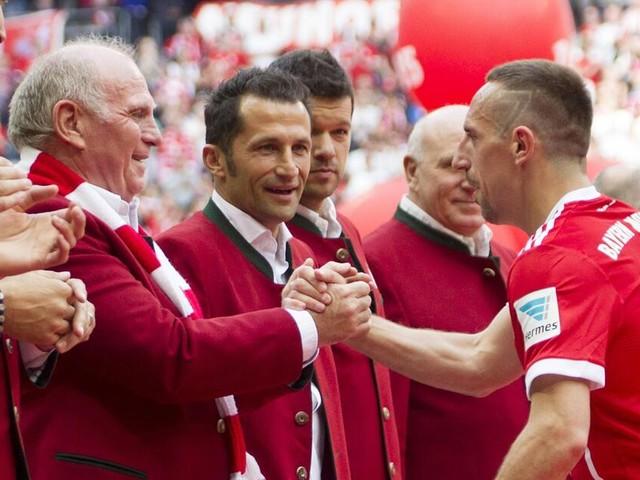 So geht der FC Bayern mit seinen verdienten Spielern um